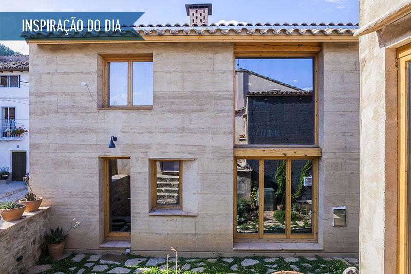 01-janelas-de-tamanhos-diferentes-na-fachada