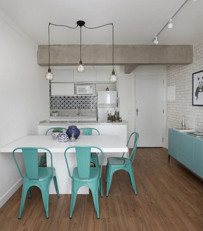01-neste-apartamento-pequeno-o-tijolinho-da-cara-de-loft-aos-ambientes