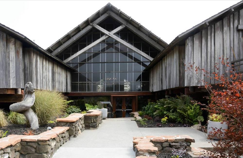 01-timber-cove-novogratz-hotel-california