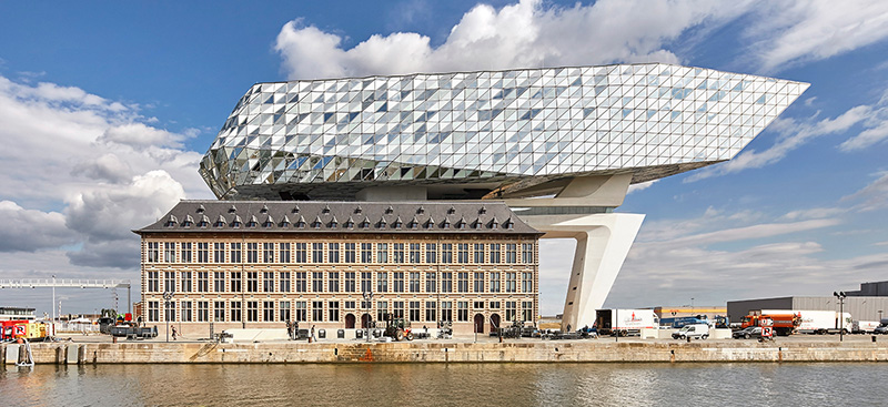 01-zaha-hadid-architects-inaugura-sede-do-porto-de-antwerp-na-belgica