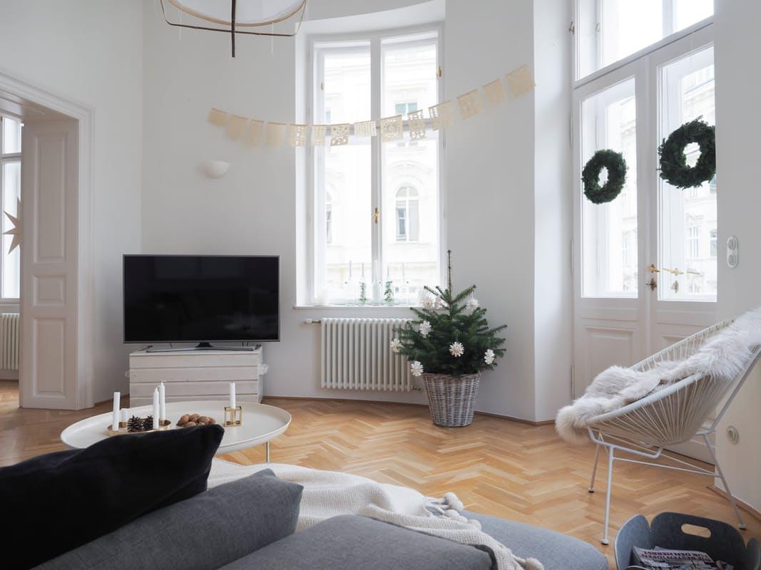 02-apartamento-com-estilo-escandinavo-decorado-para-o-natal