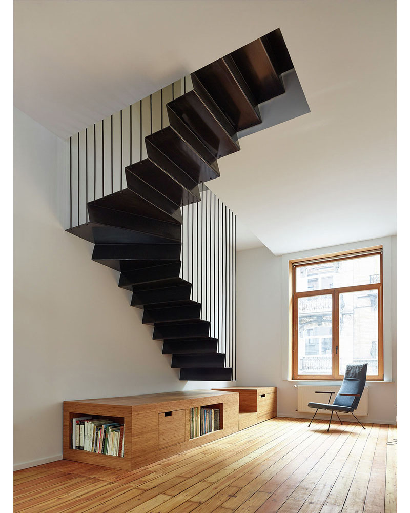 02-escada-flutuante-com-movel-de-madeira