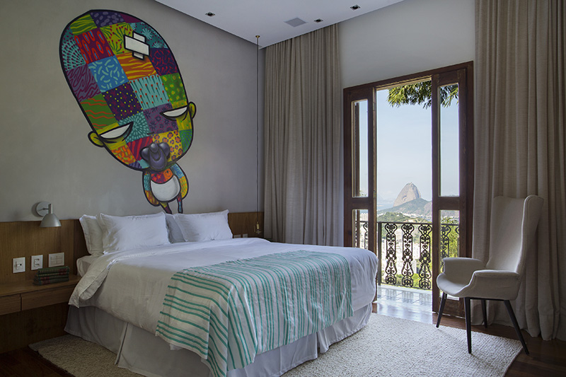 02-hotel-boutique-no-rio-e-cheio-de-arte-e-design-nacionais