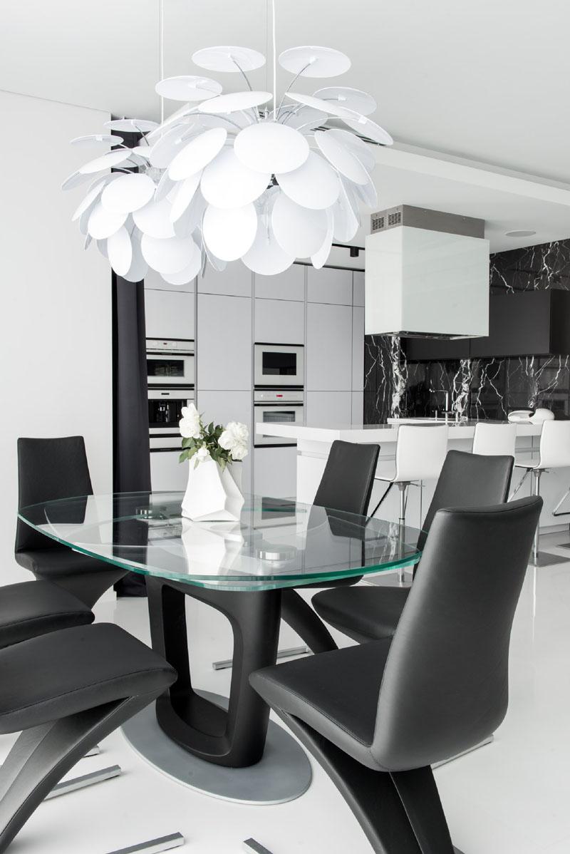 02-preto-e-branco-dominam-os-interiores-de-apartamento-em-moscou