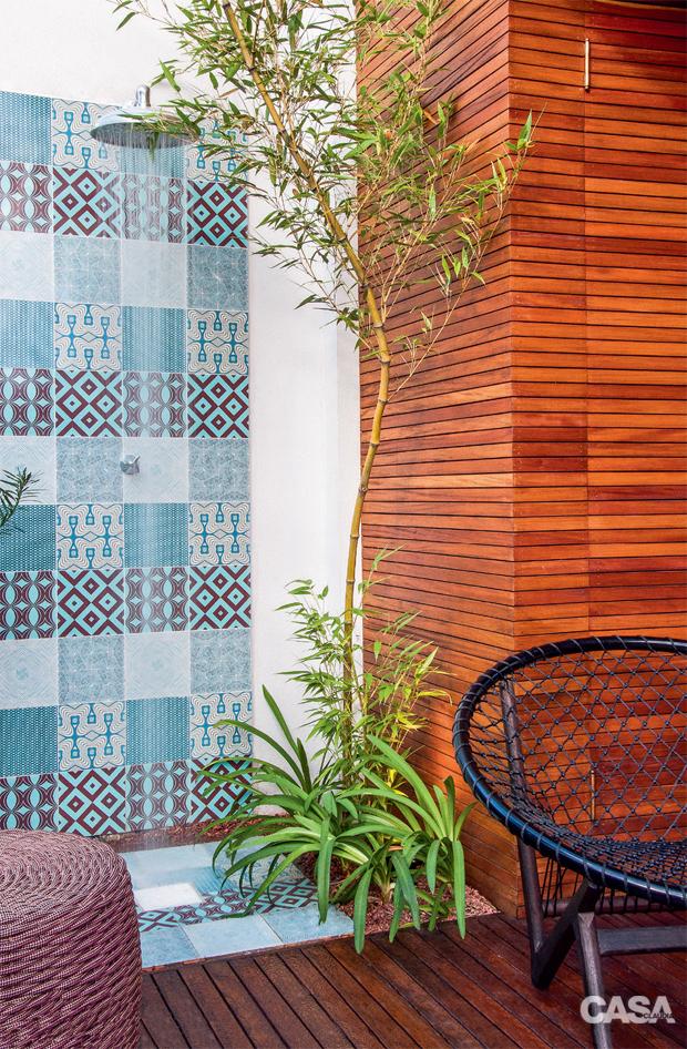 02-quintal-em-porto-alegre-tem-jardim-horta-e-espaco-para-criancas