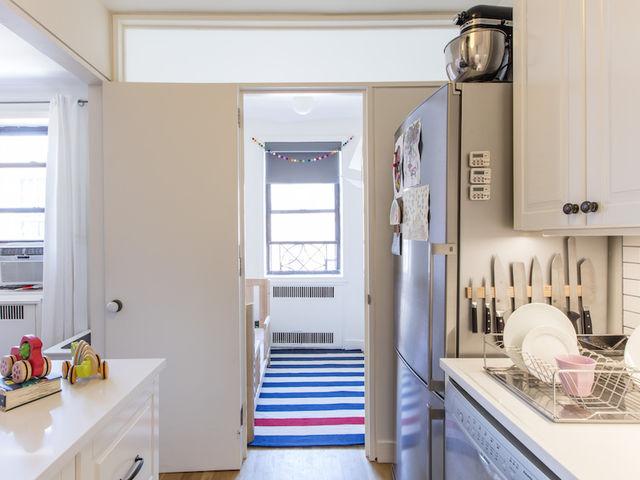 02b-com-reforma-na-cozinha-ape-ganha-espaco-para-mais-um-quarto