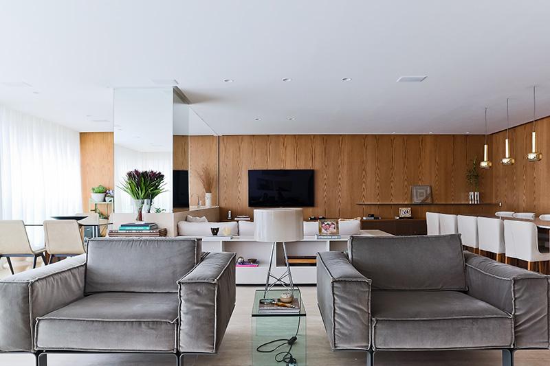 03-apartamento-com-paleta-neutra-e-boas-ideias-de-marcenaria