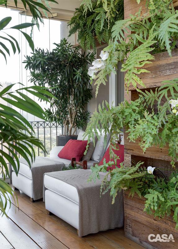 03-apartamento-varanda-cheia-de-natureza