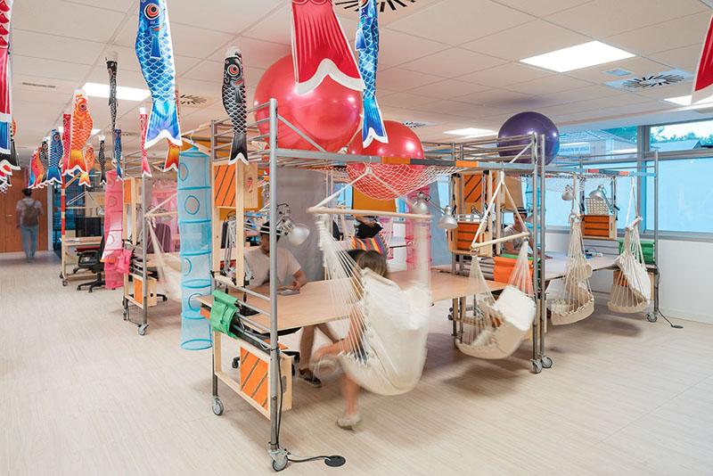 03-escritorio-coworking-em-madri-tem-espacos-ludicos-e-coloridos