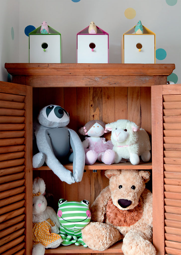 03-um-quarto-de-bebe-com-bolinhas-que-salpicam-o-ambiente