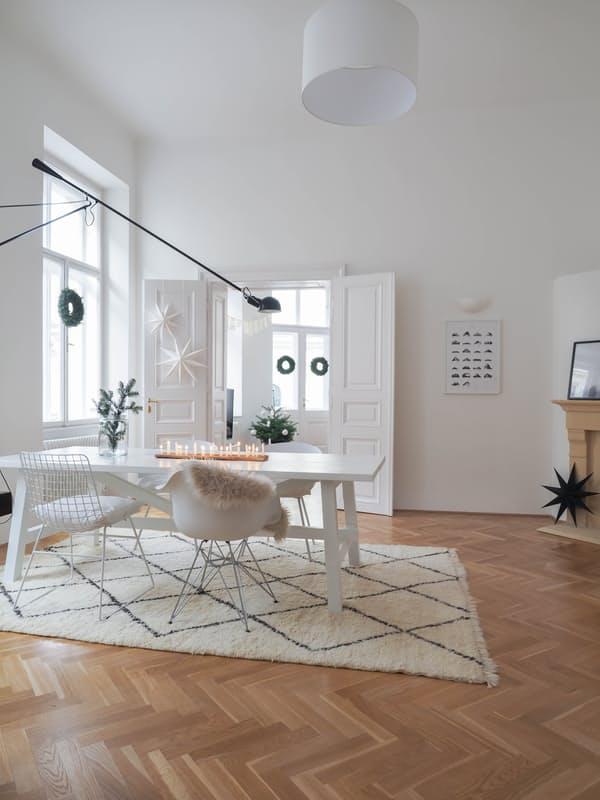 04-apartamento-com-estilo-escandinavo-decorado-para-o-natal