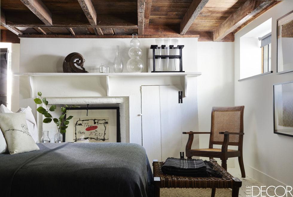 04-casa-de-campo-e-decorada-com-moveis-antigos-e-obras-de-arte