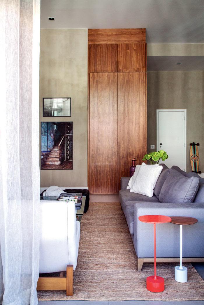 04-loft-de-100-m2-no-rio-tem-mix-de-madeira-e-tijolinho