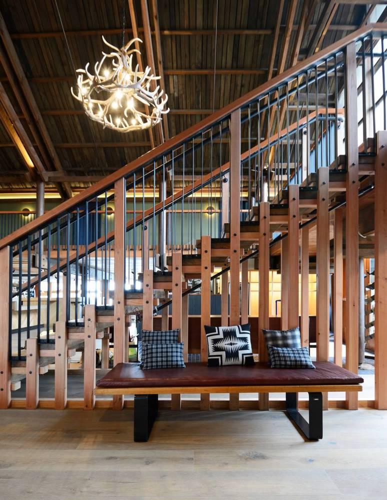 04-timber-cove-novogratz-hotel-california
