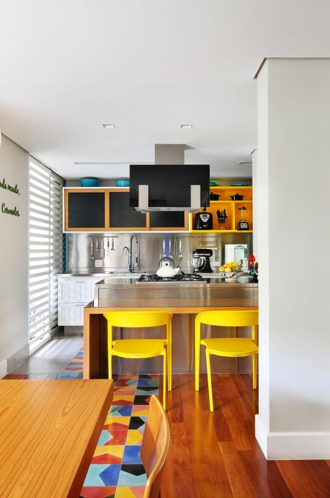 05-apartamento-ganha-layout-integrado-e-toques-de-cor