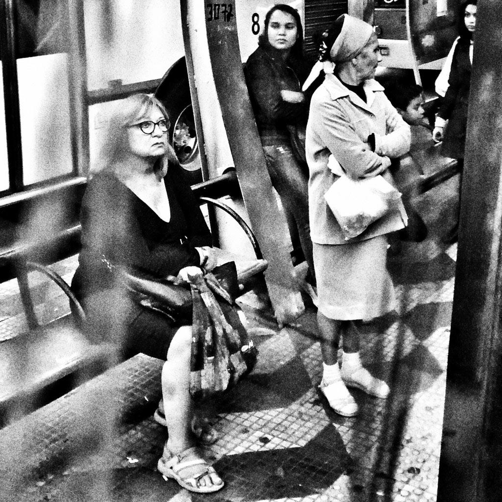 05-fotografo-captura-detalhes-da-metropole-na-serie-sao-paulo-cinza
