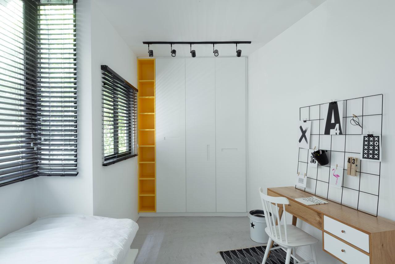 05-nichos-coloridos-dao-cara-nova-a-apartamento-em-tel-aviv