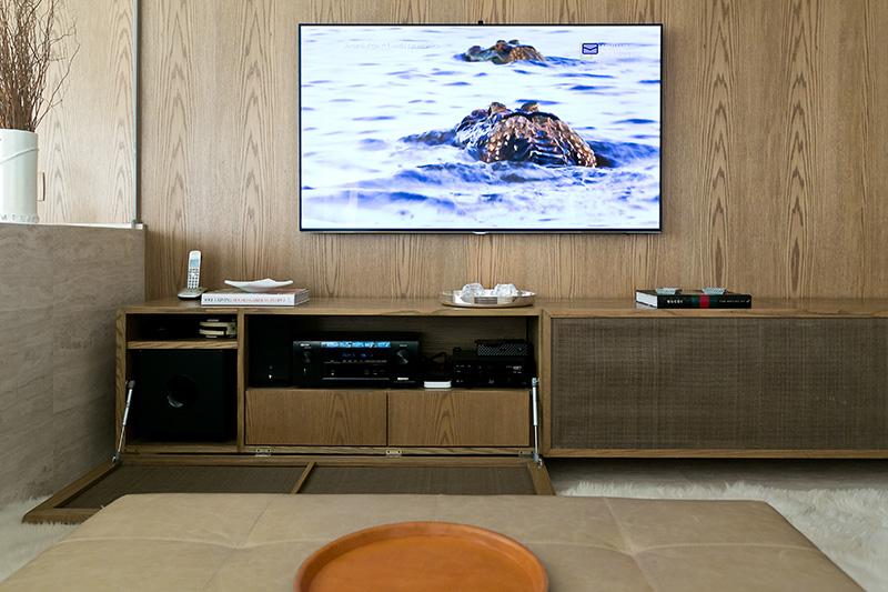 06-apartamento-com-paleta-neutra-e-boas-ideias-de-marcenaria
