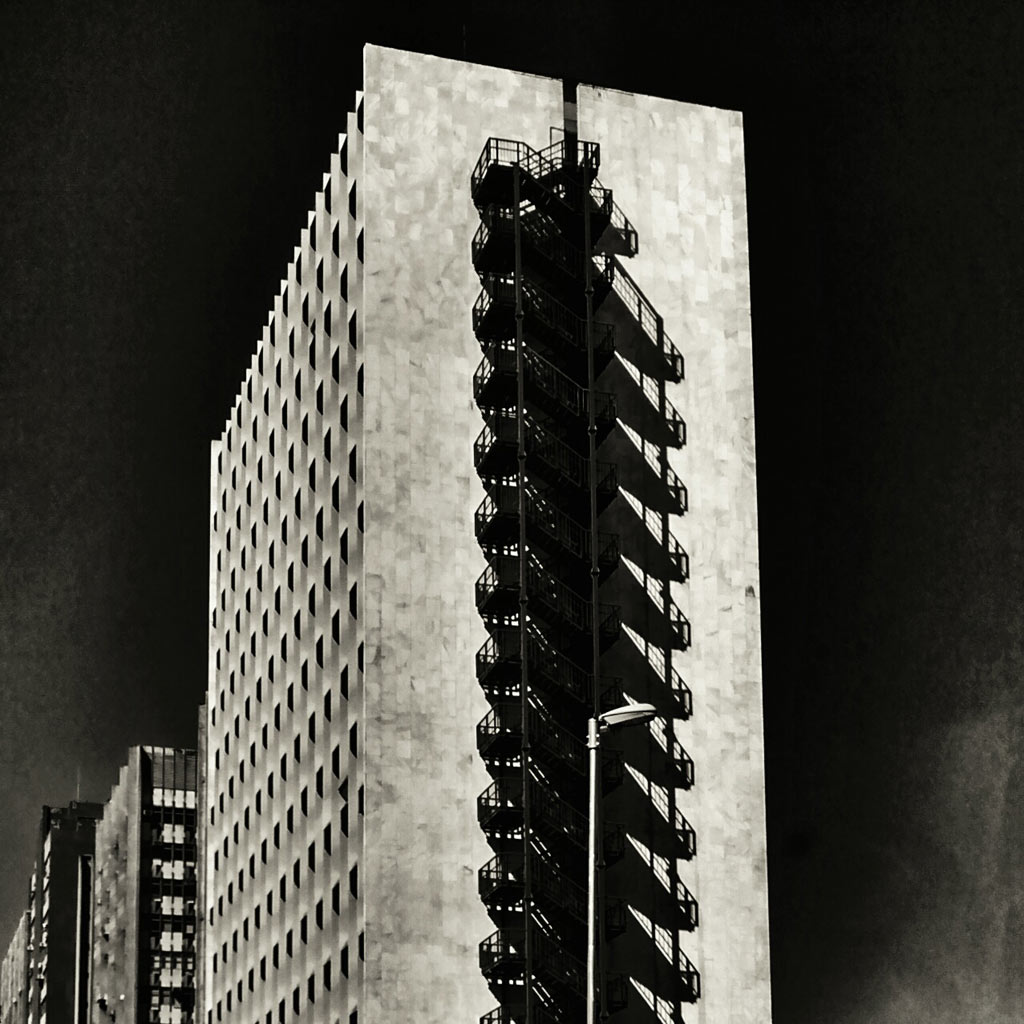 06-fotografo-captura-detalhes-da-metropole-na-serie-sao-paulo-cinza