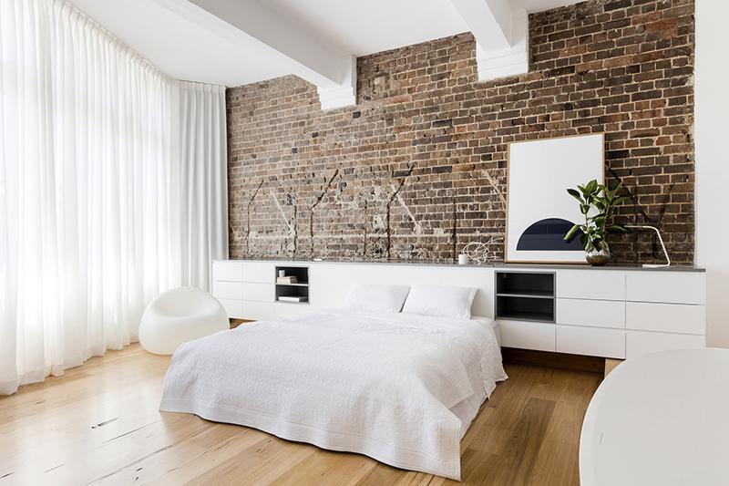 07-apartamento-mescla-estilo-escandinavo-e-industrial-quarto