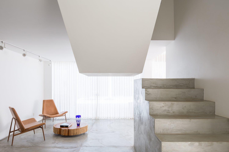 07-arquitetos-criam-grade-de-concreto-para-expandir-casa-em-brasilia