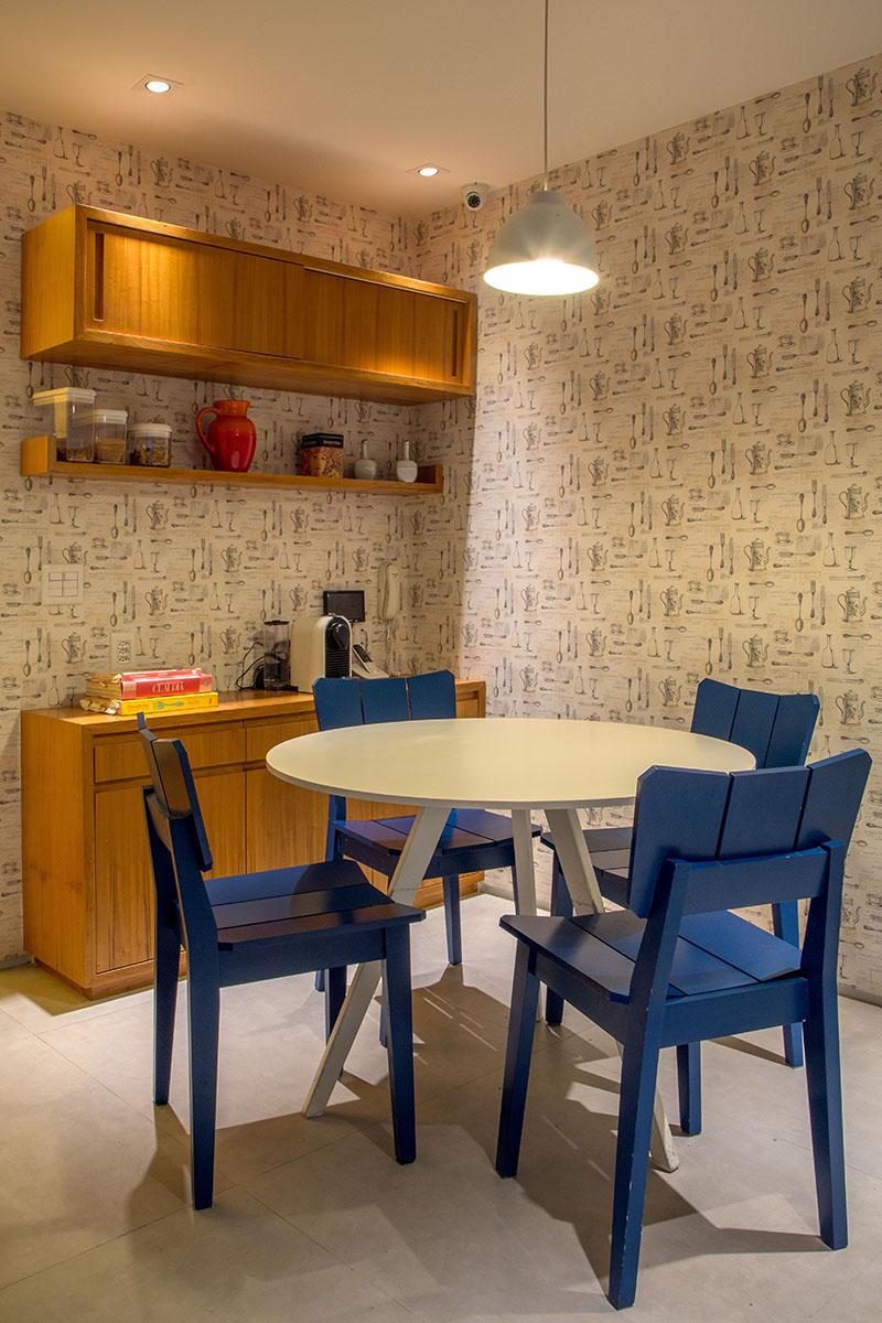 07-tons-neutros-e-pecas-de-design-compoem-o-decor-de-apartamento-no-rio