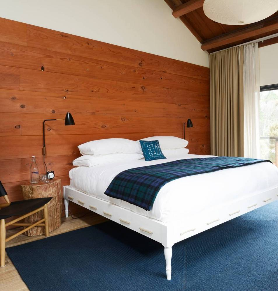 07-timber-cove-novogratz-hotel-california
