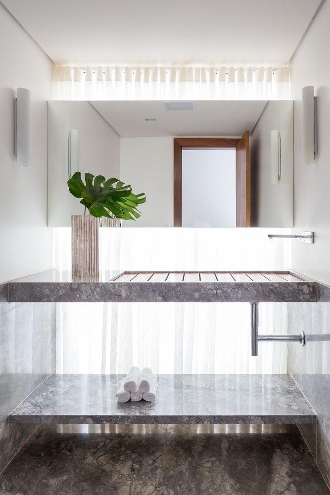 08-arquitetos-criam-grade-de-concreto-para-expandir-casa-em-brasilia