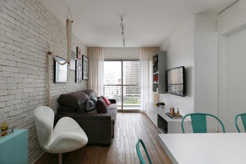08-neste-apartamento-pequeno-o-tijolinho-da-cara-de-loft-aos-ambientes