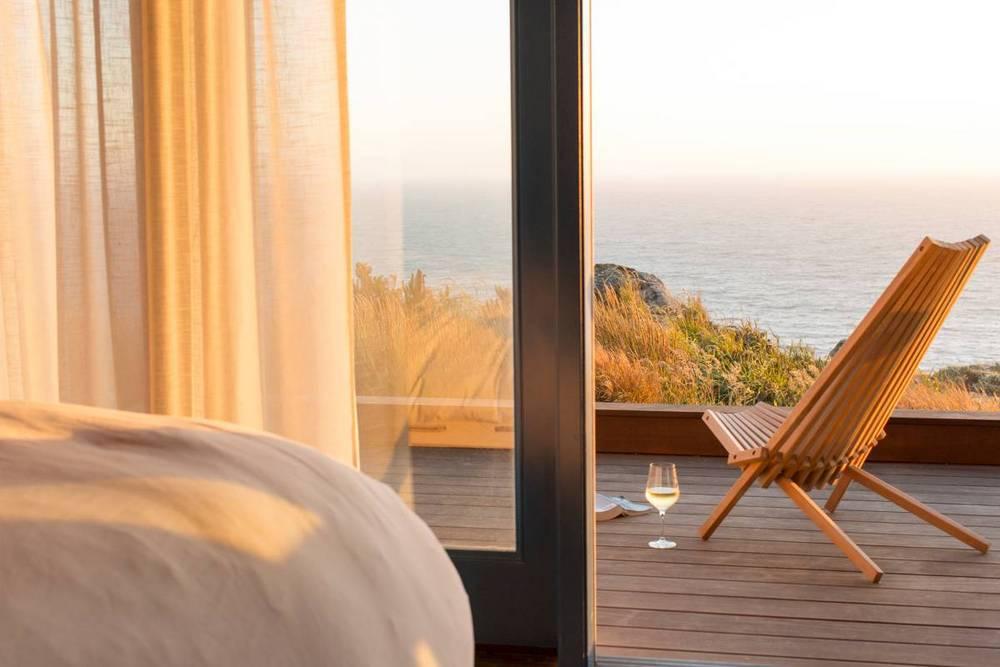 08-timber-cove-novogratz-hotel-california