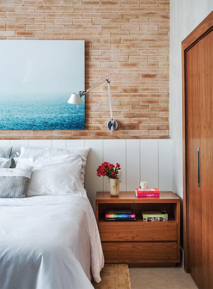 09-loft-de-100-m2-no-rio-tem-mix-de-madeira-e-tijolinho