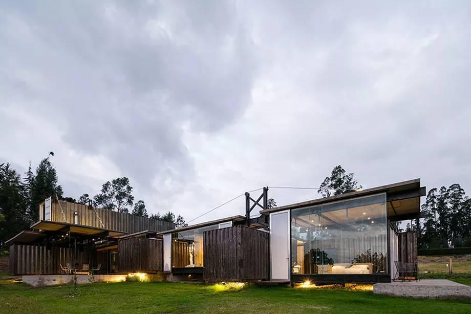 1-conteineres-compoem-casa-luxuosa-no-equador