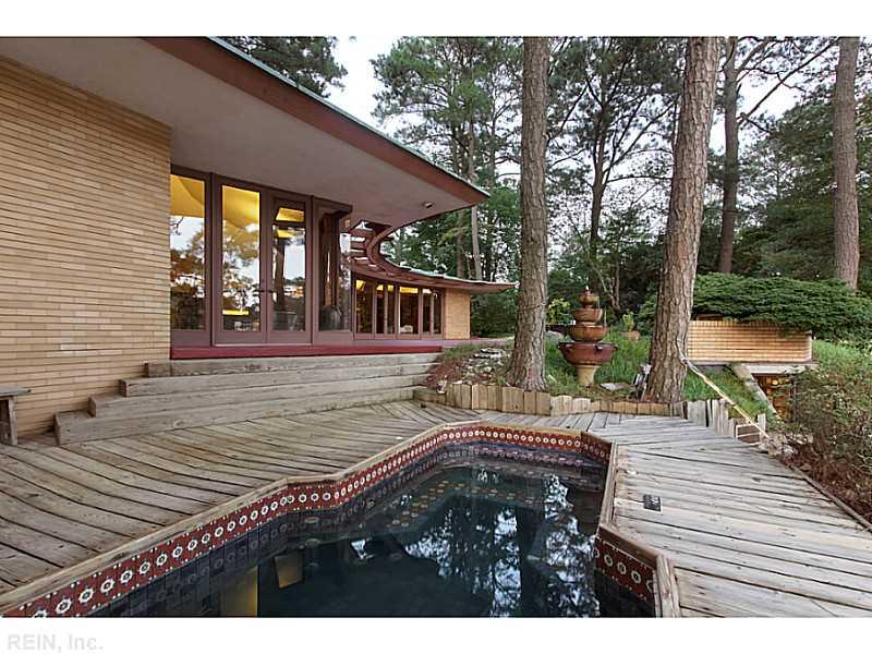 exterior-casa-no-lago-legado-Frank-Lloyd-Wright