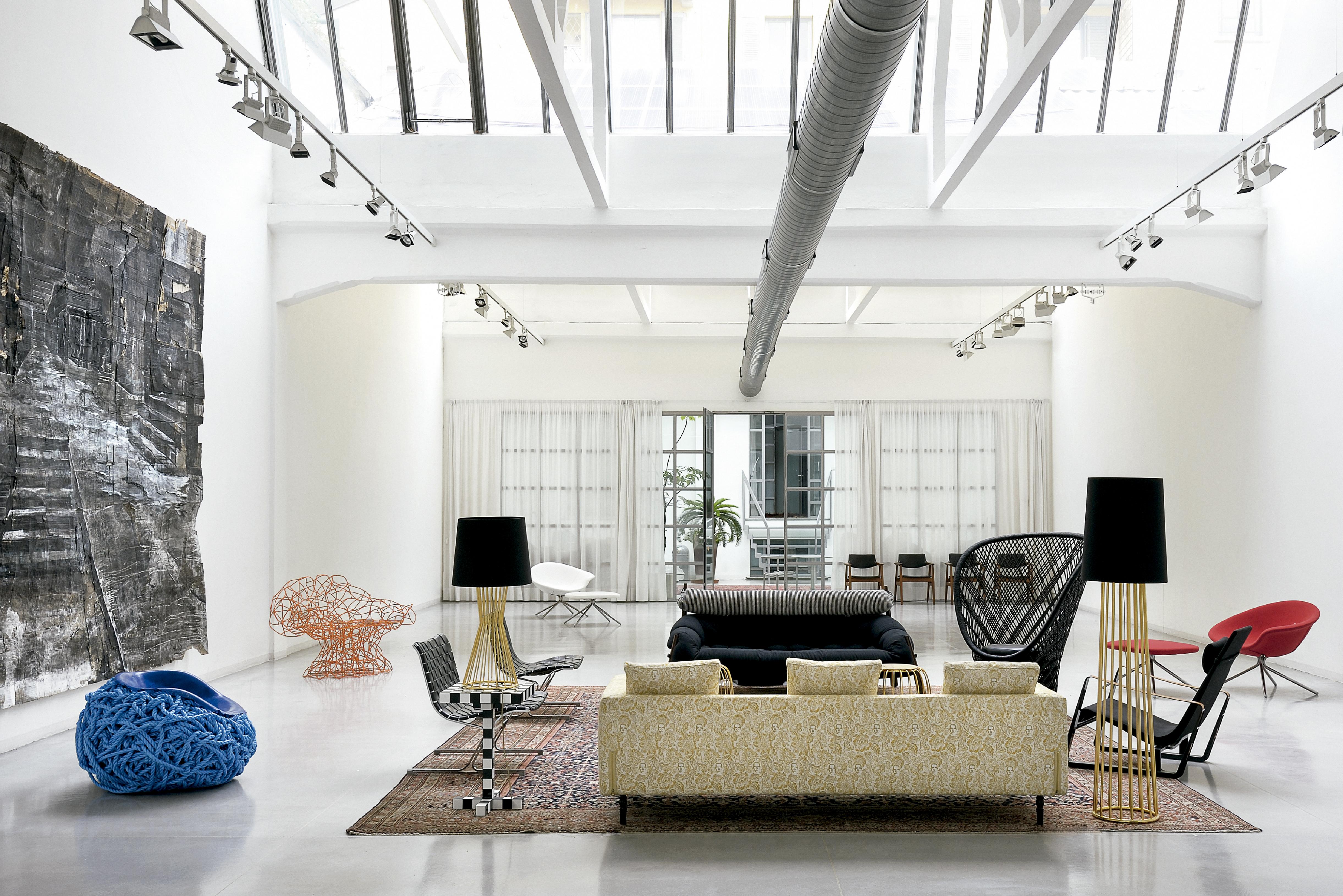 1-apartamento-com-design-original-e-arte-em-milao