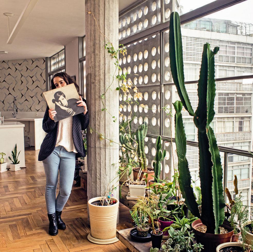 um-apartamento-duplex-no-centro-de-sao-paulo-em-predio-de-oscar-niemeyer-1