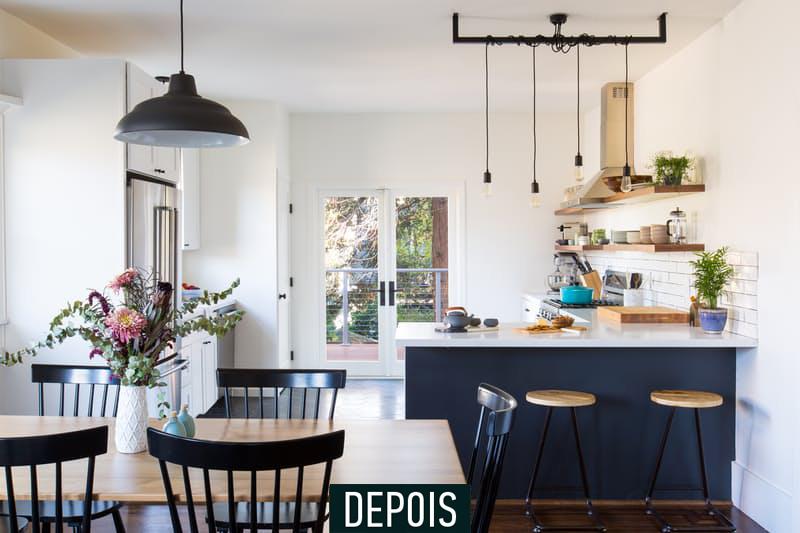 1-antes-e-depois-cozinha-e-reformada-e-fica-clara-e-arejada