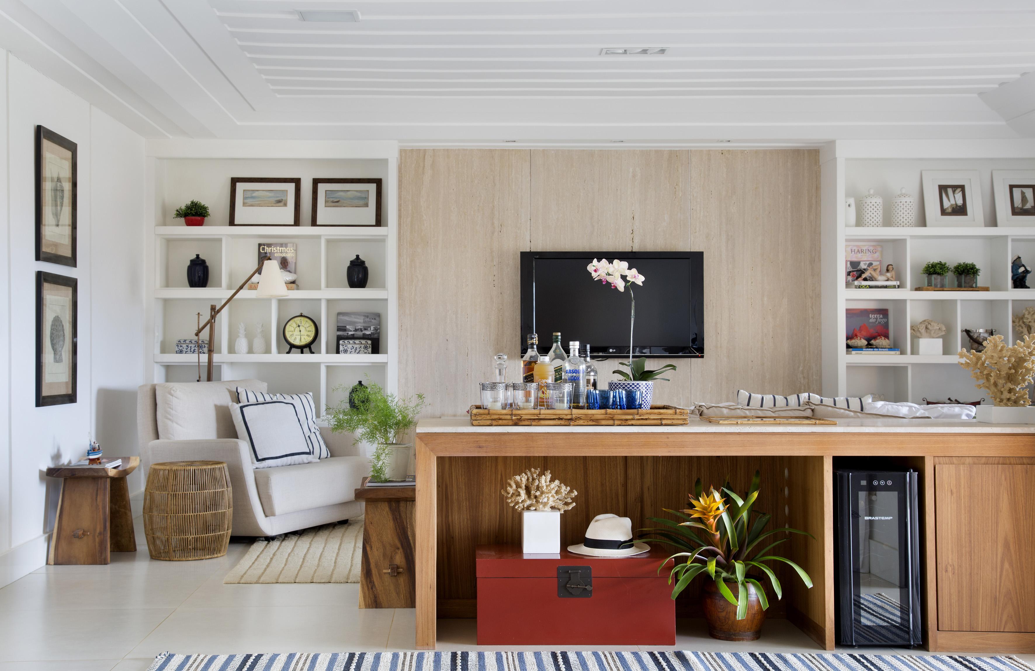1-casa-em-buzios-foi-inspirada-no-glamour-nautico-dos-hamptons-sala