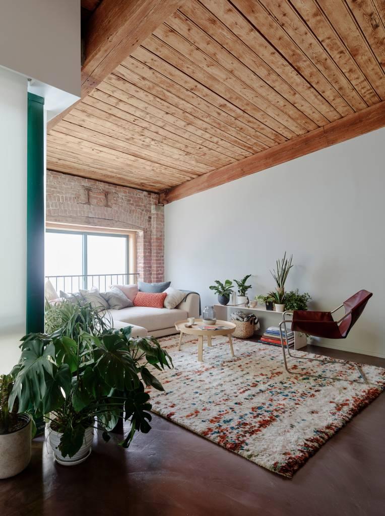 1-loft-com-ambientes-integrados-para-aproveitar-a-luz-natural