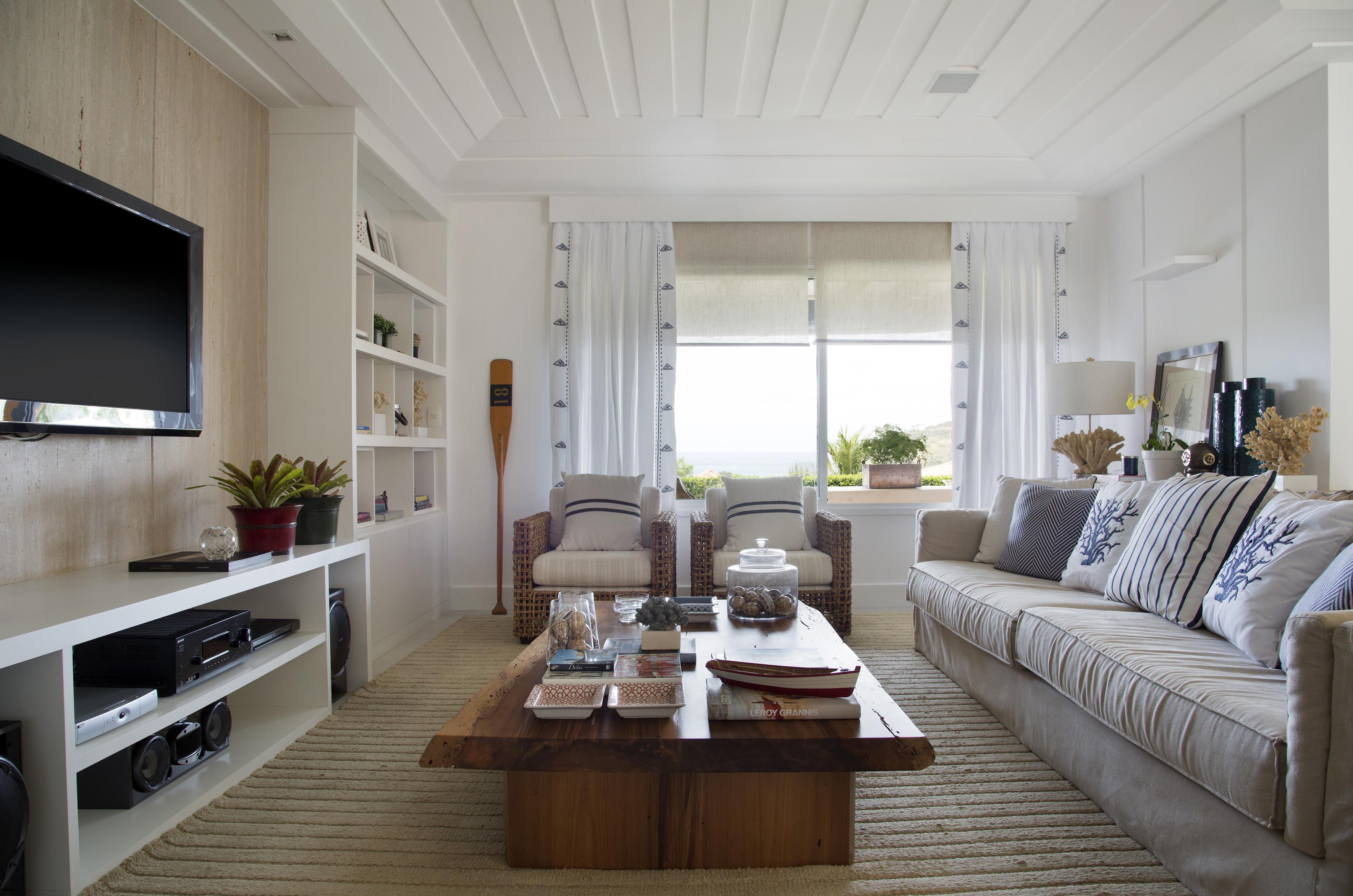 2-casa-em-buzios-foi-inspirada-no-glamour-nautico-dos-hamptons-sala