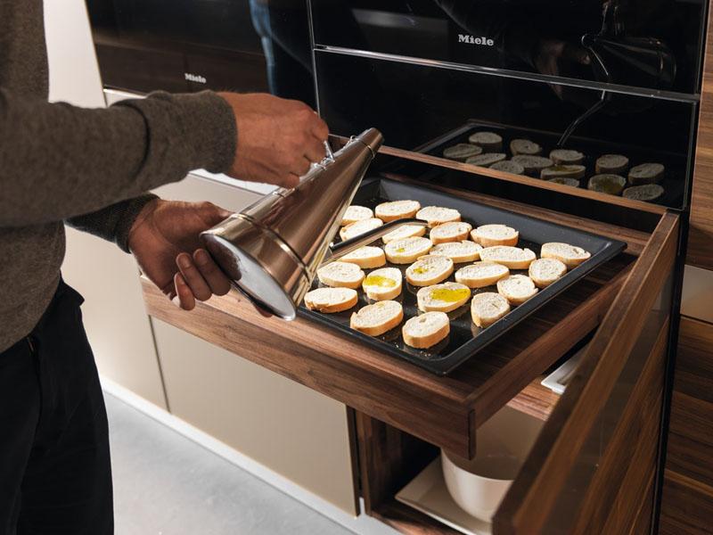 2-10-cozinhas-com-bancadas-escondidas