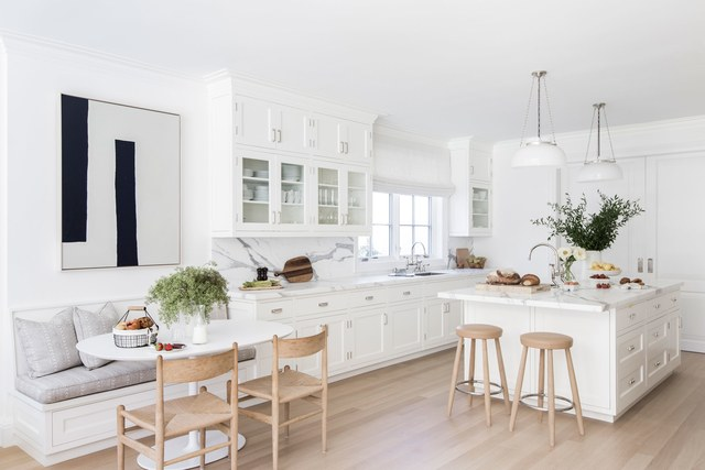 4-casa-em-beverly-hills-com-paleta-de-cores-neutra-pecas-de-design-cozinha