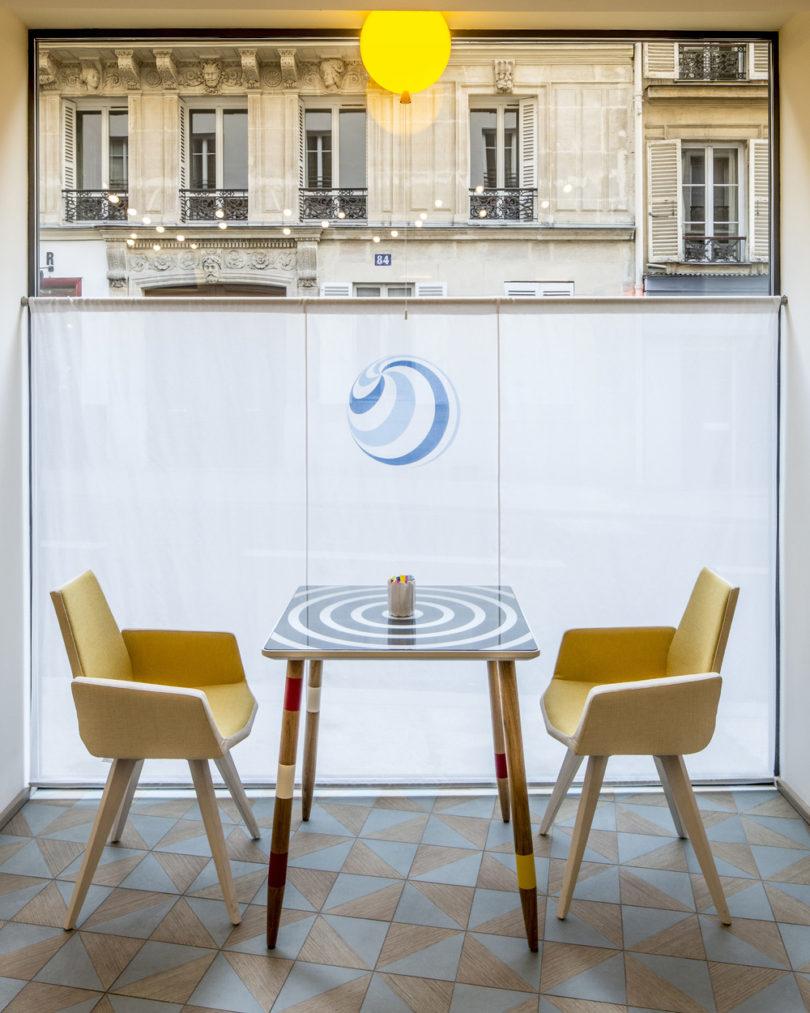 3-joke-hotel-paris