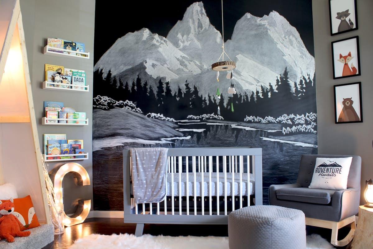 quarto-do-bebê-com-mural-de-giz