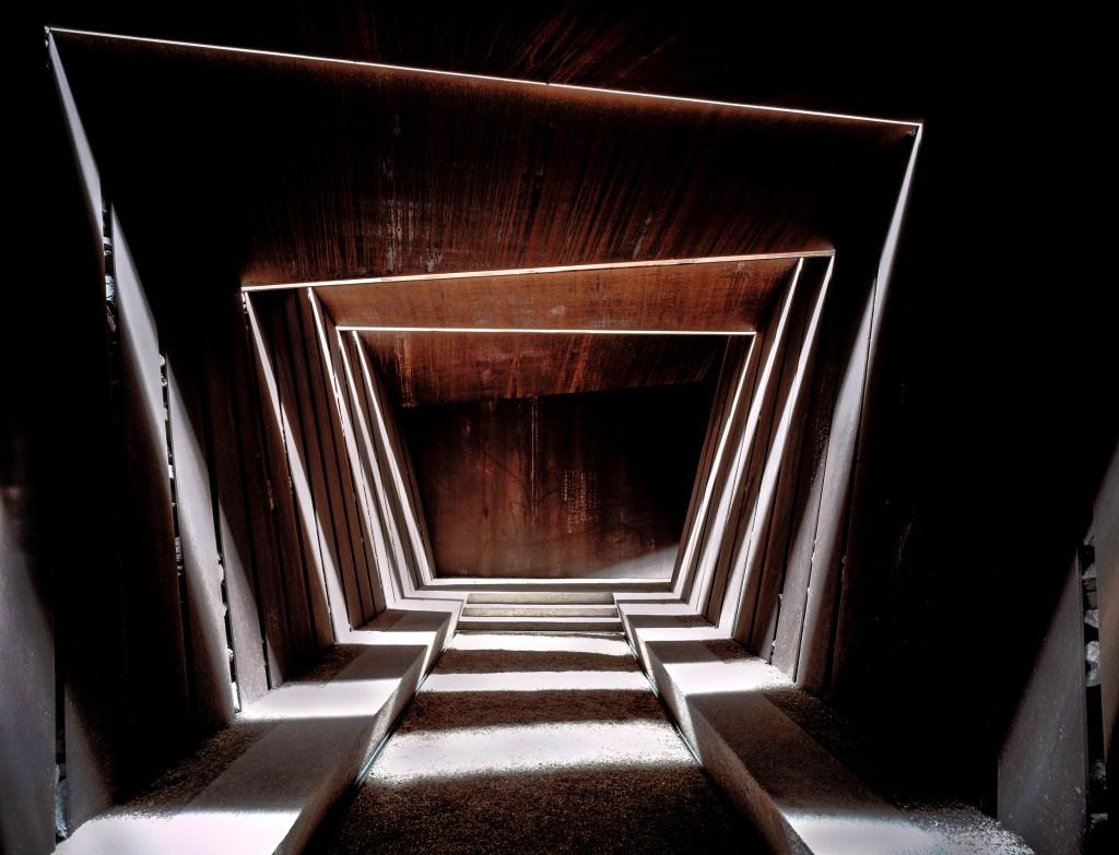 Da RCR Arquitetura, o projeto da vinícola Bell–Lloc Winery (2007) foi realizado em Palamós, Girona, Espanha.