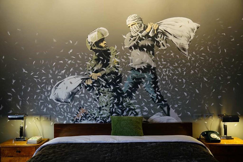 06-the-walled-off-bansky-inaugura-hotel-de-arte-na-palestina