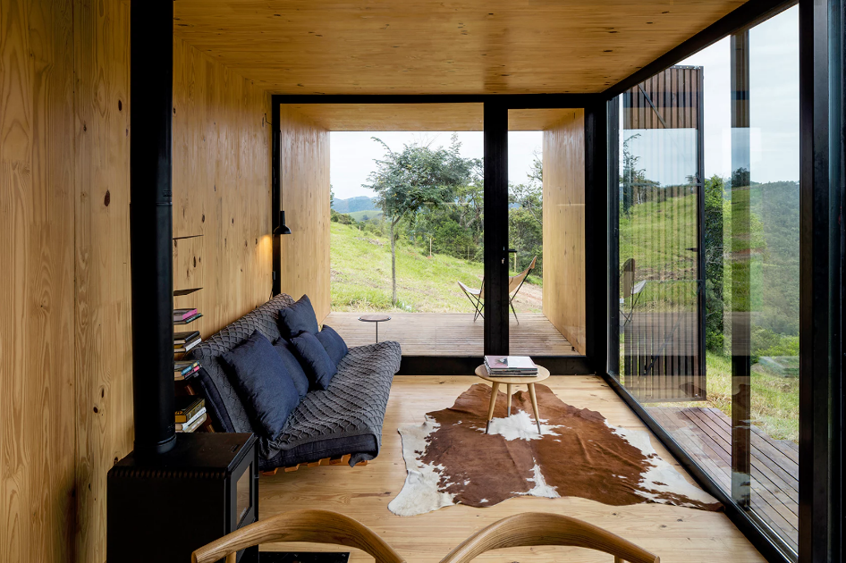 Sala de estar de casa pré-fabricada