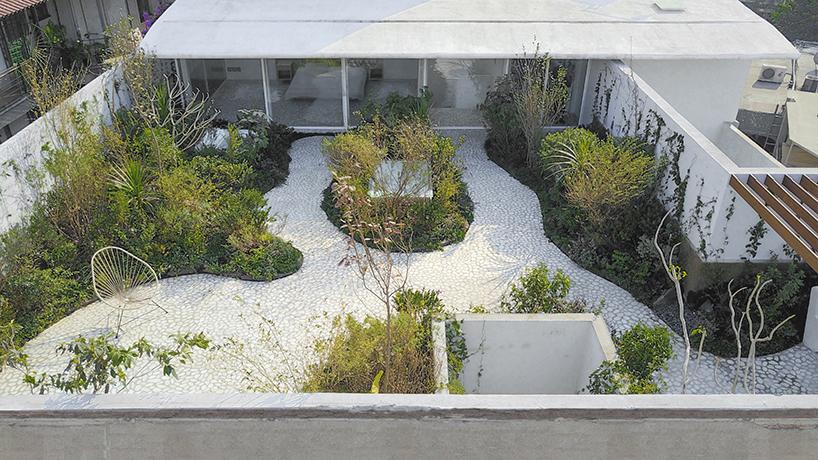 Jardim no terraço de Zeller&Moye
