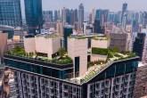 Este arranha-céu possui um clube e um parque construídos no terraço