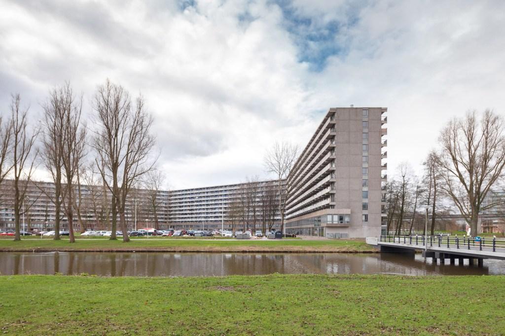 NL Architects e XVW Architectuur vencem prêmio por reforma em Amsterdam
