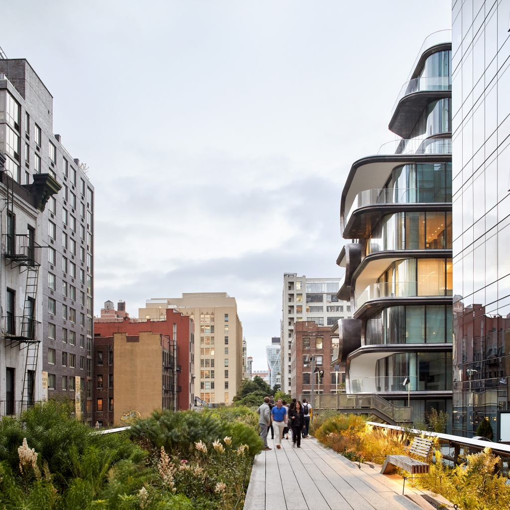 A arquiteta iraniana criou um edifício residencial de luxo, construído em frente ao High Line, em Manhattan